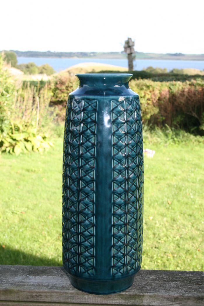 gulvvaser keramik En vase på gulvet (Fra JUST RETRO) gulvvaser keramik